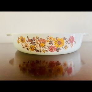 Vintage Anchor Hocking Autumn Daisies Casserole